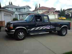 1997 Ford F-350 Duelly Pickup Truck