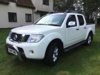 Nissan Navara 2.5dCi Tekna Double Cab Pick-UP