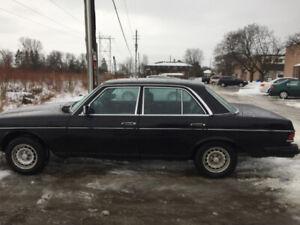 1983 Mercedes 300DT $2000 O.B.O