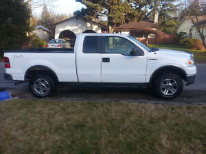 2007 Ford F-150 XLT super cab Pickup Truck