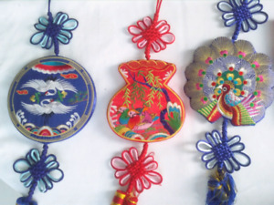 Embroidery wall hanger collection