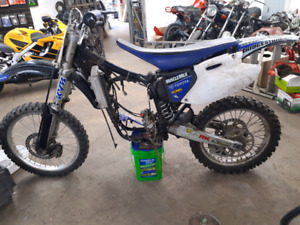 02 Yamaha YZ250F Rolling chassis