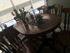 Dinning room table with hutch and buffet