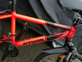 """BTWIN ROCKRIDER 500 Neon Orange 24 """" wheel in Excellent condition"""