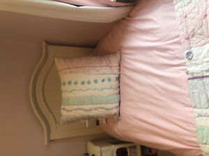 Twin bed frame and serta mattress set