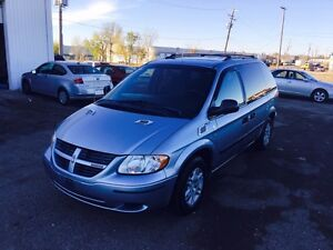 2005 Dodge Caravan with new tires and remote starter