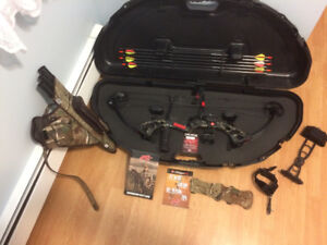 Right Handed PSE Stinger Compound Bow & Accessories