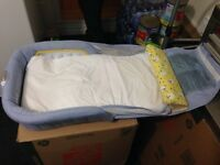 Lit pour poupon 1st years / infant bed 1st years