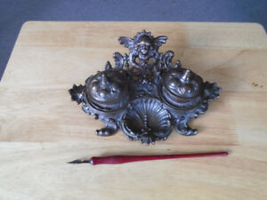 Antique ink well