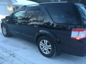 2009 Ford FreeStyle/Taurus X Limited , AWD. SUV, Crossover