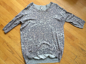 Aritzia Wilfred top, leopard, great condition,size medium Strathcona County Edmonton Area image 1