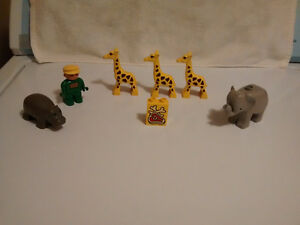 Lego Duplo Zoo Animals and Zoo Keeper