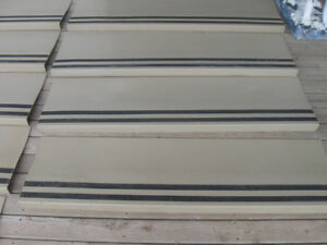 HEAVY DUTY COMMERCIAL RUBBER / VINYL 4-FOOT WIDE STAIR TREADS