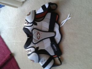 EASTON SYNENRGY 300 shoulder pads