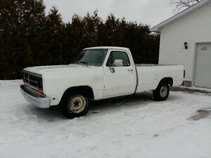 1989 DODGE D100 SOLID BODY