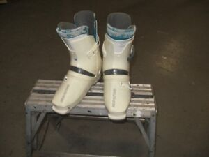SKI BOOTS DIFFERENT MAKE