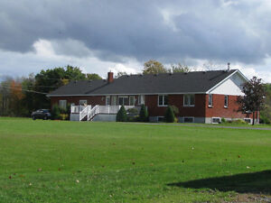 AVAILABLE Nov. 1 up to Dec. 1  BUNGALOW IN THE COUNTRY Peterborough Peterborough Area image 4