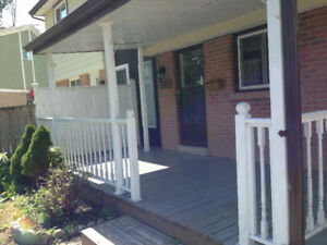 5 bed room house fully furnished for a group of  students