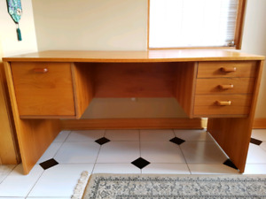 "New price Large  55"" Teak desk / bureau en teck 55"""