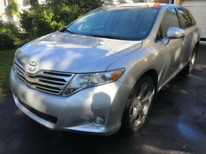 VERY LOW KMs, NO ACCIDENTS, 2 YEARS FULL WARRANTY, TOYOTA VENZA