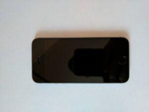 Iphone 5S - Dévérouillé - Encore sous garantie Apple