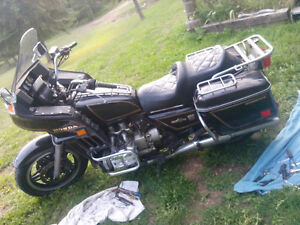 5 Honda goldwing1100,s for parts