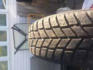 Set of 4 hankook i-pike rc01 winter tires for sale