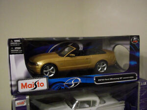 2010 FORD MUSTANG GT CONVERTIBLE 1:18 SCALE DIECAST
