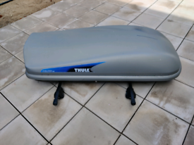 Thule Evolution 100 Roofbox Topbox and roof bars
