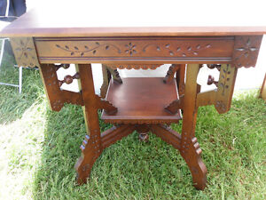 antique square parlour table eastlake style REDUCED Oakville / Halton Region Toronto (GTA) image 4