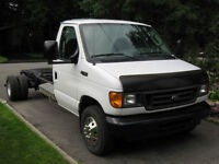 2004 Ford Other blanc Autre E-450