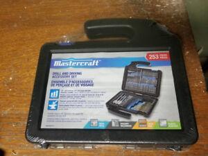 Mastercraft 253-pc Drill and Screwdriver Bit Set – BNIB
