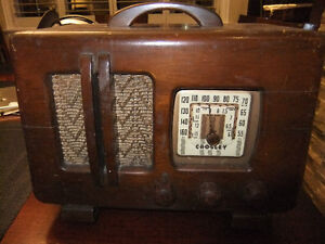 crosley tube radio in good cond , works but needs new power cord Kitchener / Waterloo Kitchener Area image 1