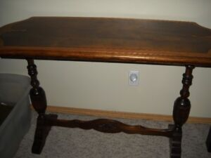 MANY HOUSEHOLD PIECES OF FURNITURE