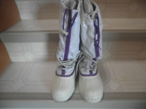 Ladies used sorel white boots  wardens **REDUCED***