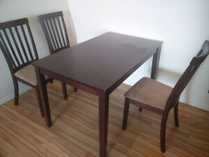 Moving sale: Dining table set
