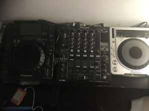 Pioneer CDJ-2000 & -800mk2 with DJM900SRT for $400