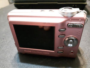Nice Excellent 2 digital cameras - Comes with Cases