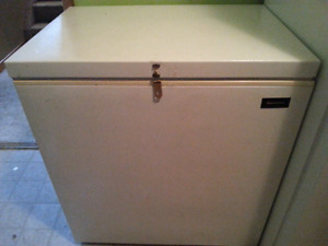 7.1 cubic ft freezer KENMORE - NEW PRICE $60