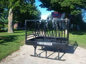 hay feeder demo model never used 2 available