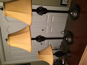 Set of 3 table lamps, excellent condition