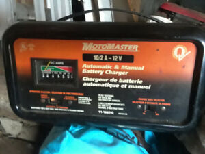 Battery charger Motomaster.