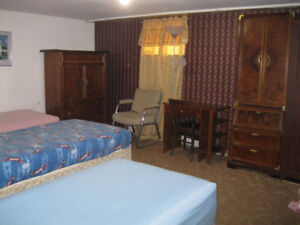 BIG ROOM FOR 3 INTERNATIONAL STUDENTS TO SHARE--$410 EACH