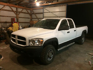 2008 Dodge Ram 2500 Long Box 6.7L Cummins!