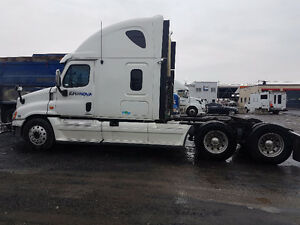2012 Freightliner Cascadia 2012 (Needs Engine)
