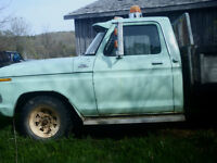 1976 Ford One Ton With Hoist