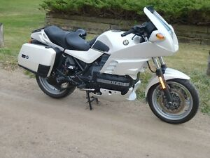 BMW PEARL WHITE K100 RS SPORTS TOURING BIKE