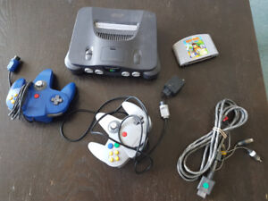 Nintendo 64 - Console, Controllers and Diddy Kong Game - N64