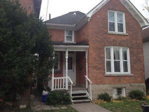 Queens 5 bedroom house for sale on University ave