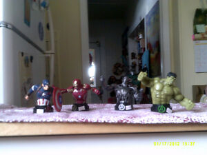 4 MARVEL AVENGERS MINI BUST $10 EACH
